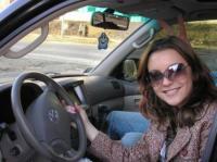 Девушка за рулем - хороший водитель.